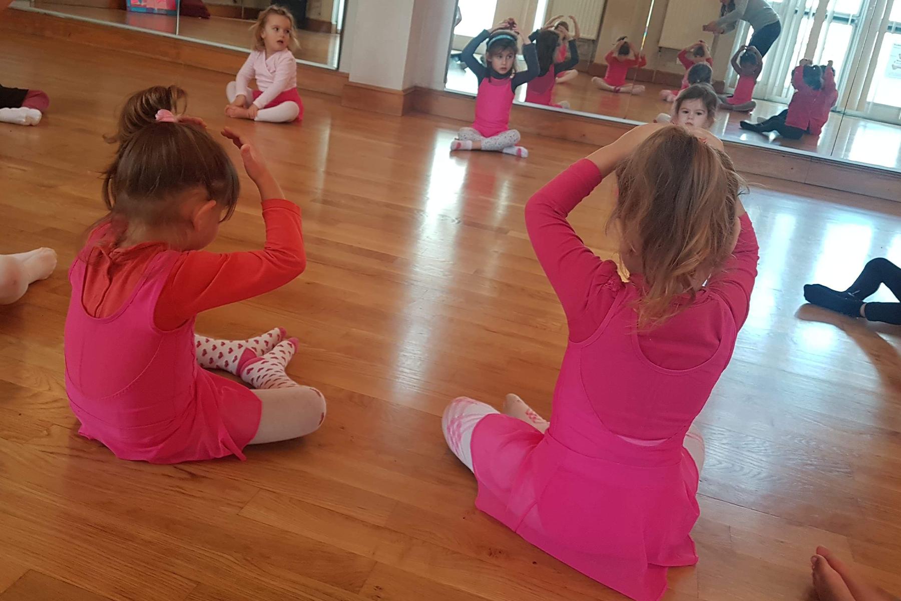 Cours d'Eveil / Initiation à la danse